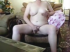 Older lady masturbating in front of cam