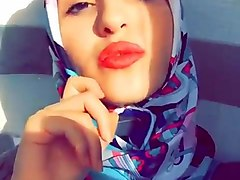 turkish turbanli hijab has hot lips