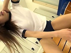 japanese schoolgirl facesits and squirts 3