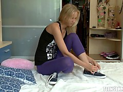 flexible russian teen wants to get humped right there on the floor